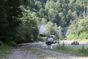 npl-overland-offroadtour-rumaenien-flussquerung-dampfeisenbahn